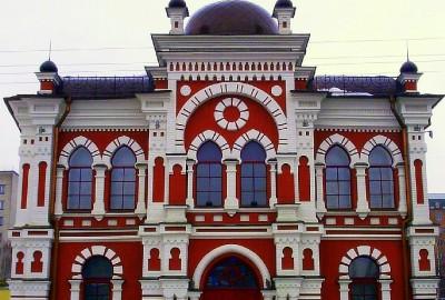 l'histoire de Kiev est liée à celle de la communauté juive, puisque l'une des premières mention de la ville figure dans un document du Xe siècle, trouvé dans la guenizah de la synagogue du Caire : une lettre envoyée de Kiev par Jacob bar Hanouker.