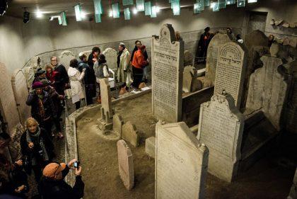 Mausolée du Hatam Sofer, photographiée par Akos Stiller pour le New York Times