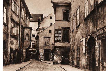 La rue Maislova, dans le ghetto juif de Prague, en 1896