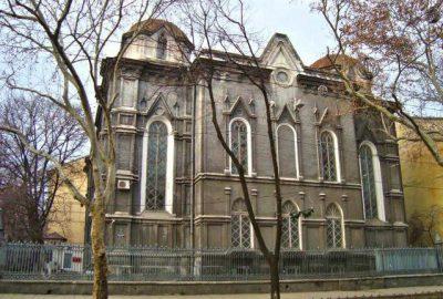 Avant la Première Guerre mondiale, il y avait sept synagogues à Odessa et quarante neuf maisons de prière. La plus ancienne était la Brody