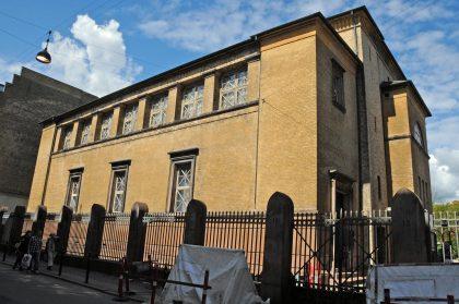 Architecture originale de la Grande synagogue de COpenhague inpirée par l'architecture grecque et romaine