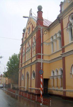Une seule synagogue demeure à Sighet, construite en 1904 dans un style de la Renaissance