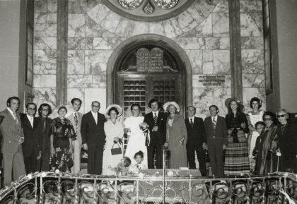 Un mariage à la synagogue Neve Shalom en 1974 (Crédit : Centropa)