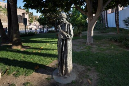 Statue Ibn Gavirol à Malaga