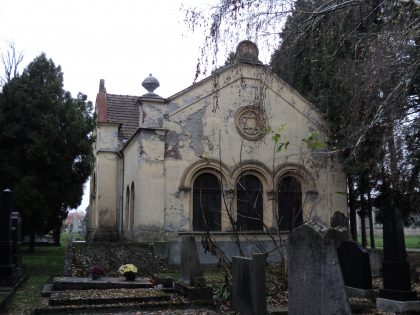 Building located at the Jewish cemetery in the city of Ojisek
