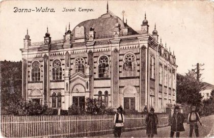 Included in the Romanian national heritage, the synagogue welcomes religious events but isn't open on a day to day basis
