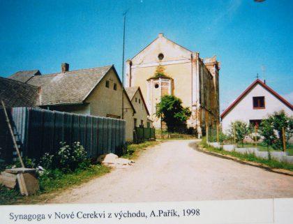 Le ghetto fut créé au XVIIe siècle. Certaines maisons sont encore correctement conservées. La synagogue a été construite en 1682.